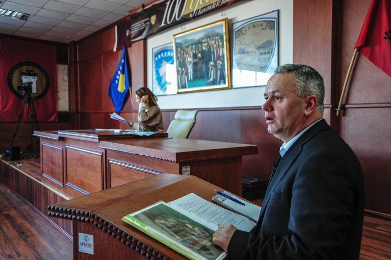 Agron Kuçi, kryetar i komunës së Junikut