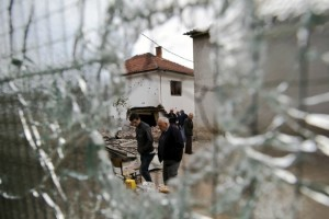 Kumanova pas shkëmbimit të zjarrit. Foto nga: AP / Visar Kryeziu
