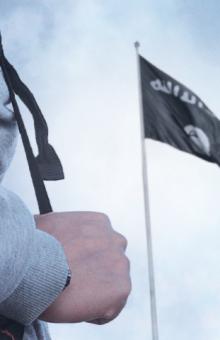 Foto nga materiale propagandistike të ISIS ku u bëhet thirrje besimtarëve t'u bashkohen 'Shtetit Islamik'