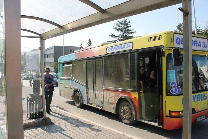 Autobus në Prishtinë   Foto nga Rron Gjinovci