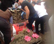 Pamje nga varrimi i Dijamant Zabërgjes - Foto: KALLXO.com