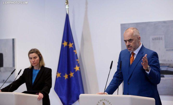 Edi Rama dhe Federica Mogherini - Foto: Gent Shkullaku/LSA