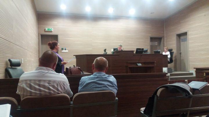 Pamje nga gjykimi i të akuzuarve për patentë-shofer - Foto: KALLXO.como