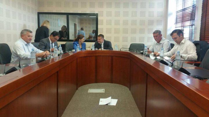 Pamje nga mbledhja e Komisiionit për Siguri - Foto: KALLXO.com