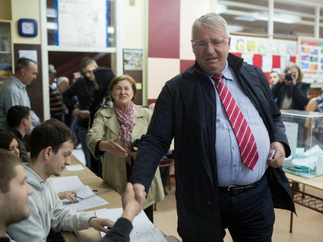 Shesheli në një qendër votimi në Beograd më 24 prill - Foto: BIRN