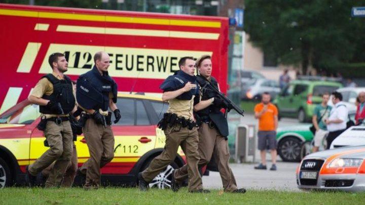 Policë gjermanë në vendin e sulmit - Foto: Twitter