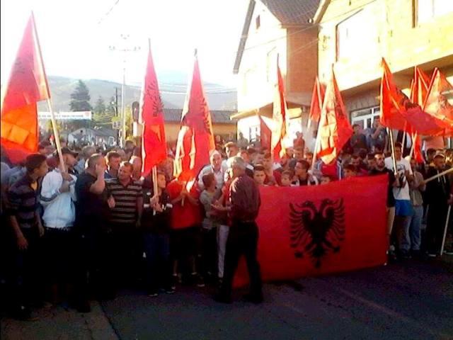 Pamje nga protesta e banorëve të Mushtishtit kundër kthimit të serbëve - Foto: KALLXO.com