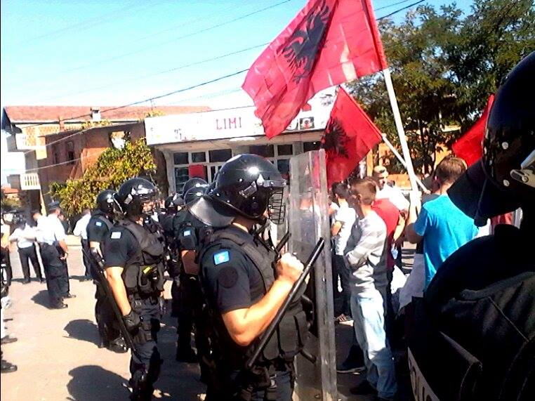 Policia gati për ndërhyrjen e dytë | Foto: KALLXO.com