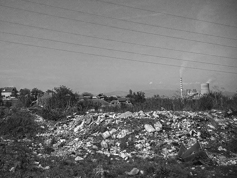 Shtëpia e familjes Gara pranë deponisë së mbetjeve shtazore