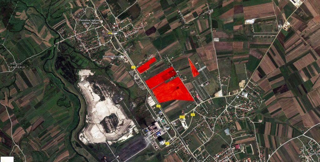 Toka me sipërfaqe prej 23 hektarëve e privatizuar nga AKP-ja. Atë tokë e ndanë vetëm një rrugë me Termocentralin Kosova B dhe me vendin potencial të termocentralit të ri.