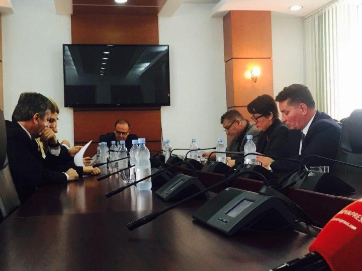 Mbledhja e Komisionit për Punë të Jashtme |Foto: KALLXO.com