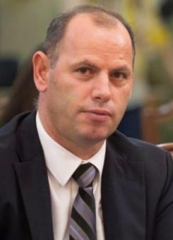 Kandidati i PDK-së për kryetar të Drenasit, Ramiz Lladrovci - Foto: Facebook