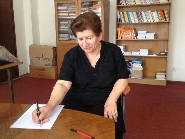 Sociologia Dr. Nada Novakovic në zyrën e saj në Institutin e Shkencave Shoqërore në Beograd. Foto: Marija Jankovic.