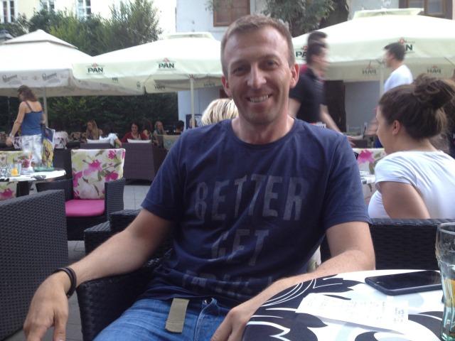 Andjelko Kasunic, President i Sindikatës së Pavarur Kroate të Punonjësve të Rrugëve në një kafe në Zagreb. Foto: Marija Jankovic.