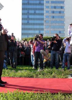Tarçulovski gjatë rikthimit të tij në Shkup nga burgu në vitin 2013. Foto: Sinisa Jakov Marusic.