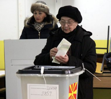 Pamje nga votimet në zgjedhjet e përgjithshme në Maqedoni - Foto: MIA