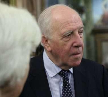 Ivor Roberts, ish ambasador britanik në Jugosllavi