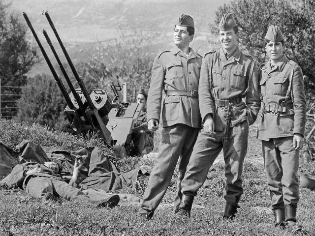 Ushtarë të Armatës Popullore Jugosllave në Divulje, Split në vitin 1988. Foto: Srdjan Veljoviq.