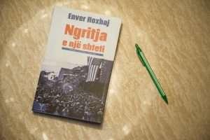 libri i enver hoxhajt1