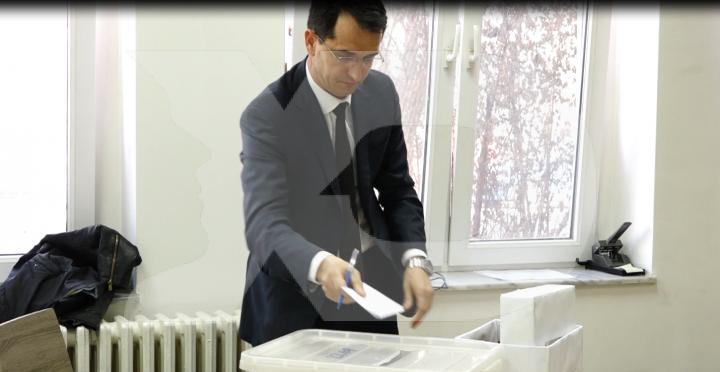 Anëtari i KGJK së Votoi Veten për Akademinë e Drejtësisë