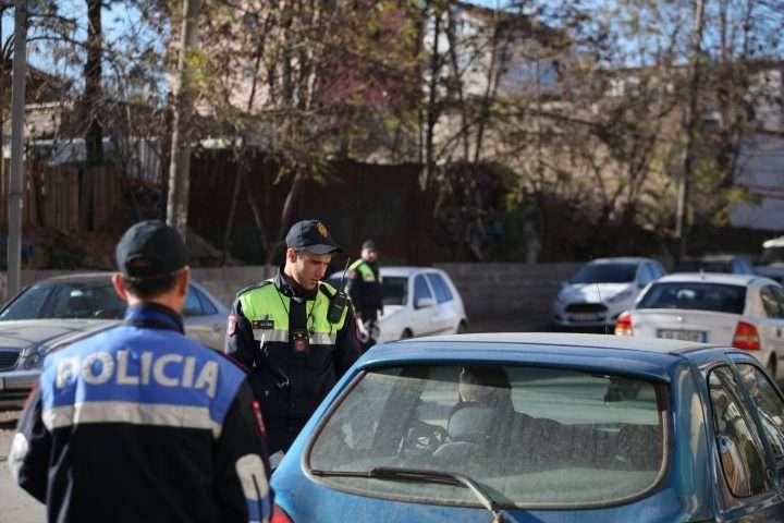 Policia Shqiptare Ashpërson Kontrollet në Trafik