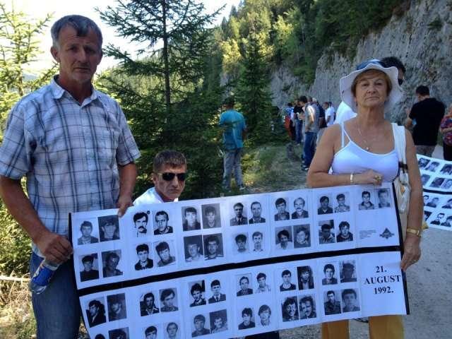 Bosnja Zhvarros 137 Viktima të Luftës