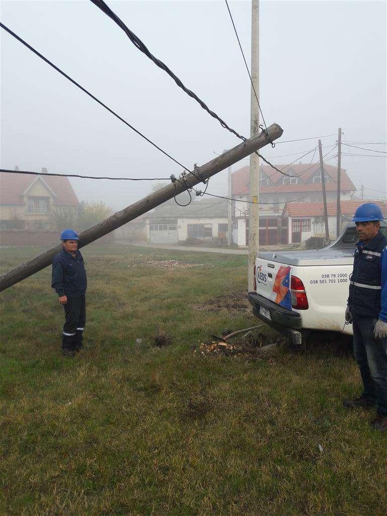 KEDS Rregullon Shtyllën e Energjisë Elektrike Gati të Rrëzuar