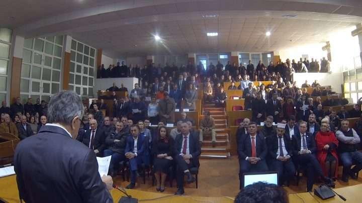 Inaugurohen Kryetari dhe Asamblistët e Rinj të Deçanit