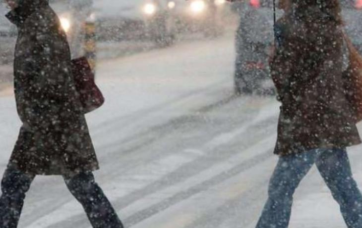 Borë e madhe në Ukrainë  kaos në trafik
