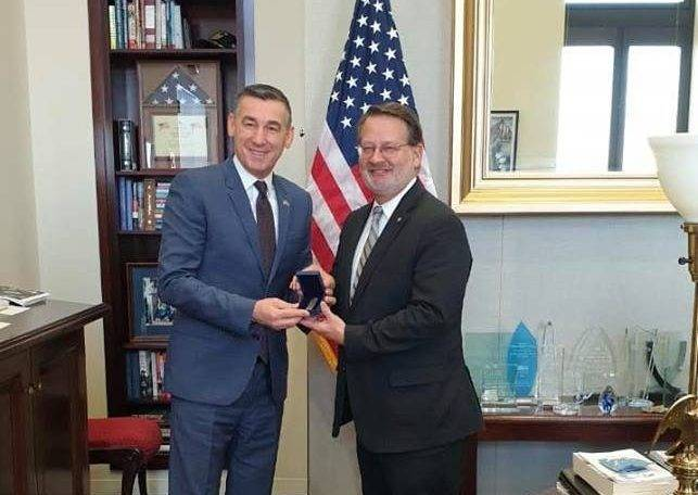 senatori-amerikan-perkrah-iniciativen-e-themelimit-te-ushtrise-se-kosoves