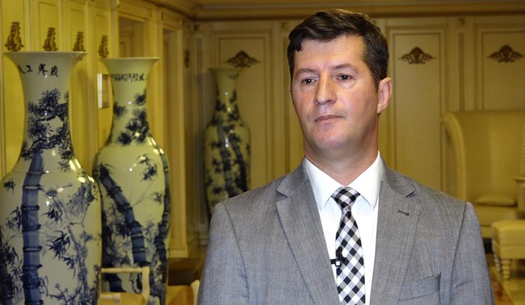 Misioni i pamundur i njeriut me superpërvojë për të gjetur punë në Kosovë