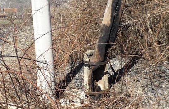 Digjen shtyllat elektrike në Istog dhe Prizren  KEDS fajëson qytetarët