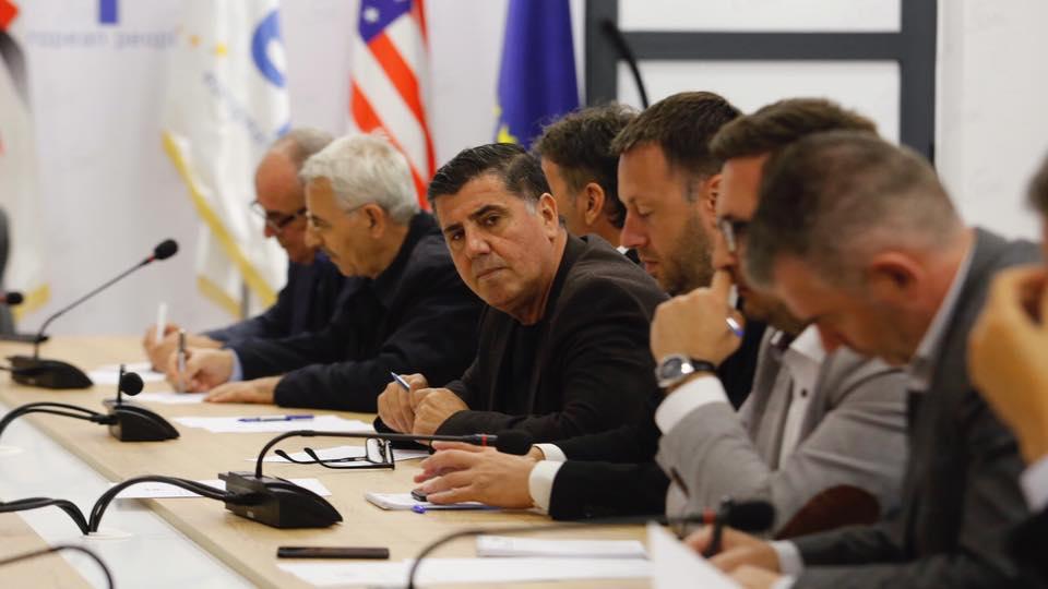Lutfi Haziri mohon të ketë probleme në nëndegën e fshatit Përlepnicë