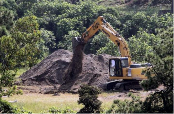 Të paktën 44 trupa u gjetën në një pus në Meksikë