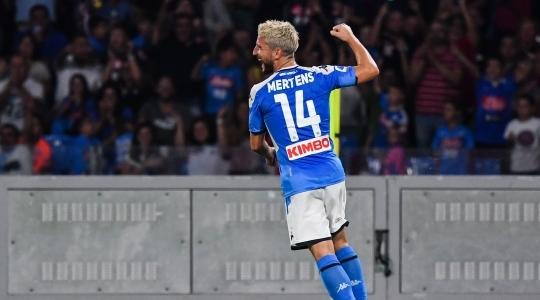Napoli fiton me golat e Mertensit
