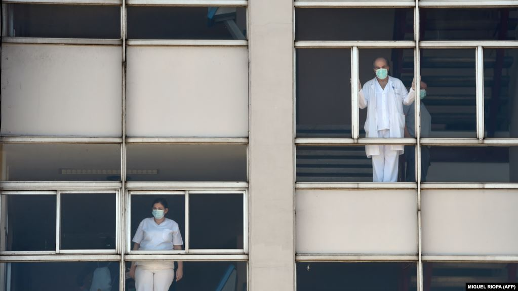 Ministrja spanjolle  Kulmi i të infektuarve me COVID 19 po rrafshohet