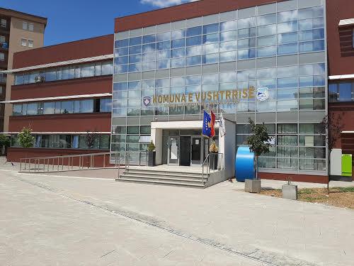 Komuna e Vushtrrisë shton numrin e bursave pë studentë