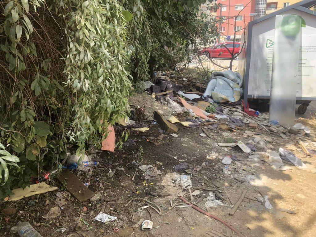 Mbeturinat në Lagjen Dardania