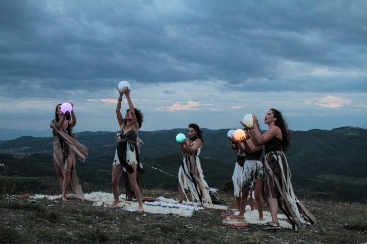 'Etno Fest', vlerëson gratë dhe diellin në edicionin e tij të 10-të