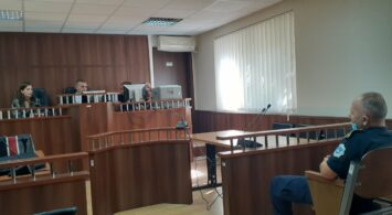 i akuzuari Elisa Broboniqi ne gjykim per vepren vjedhje e rende